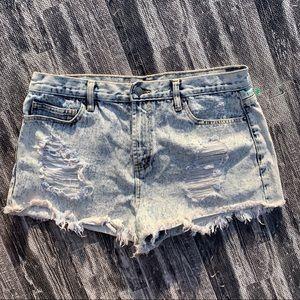 Forever 21 Acid Washed Cutoff Raw Hem Denim Shorts